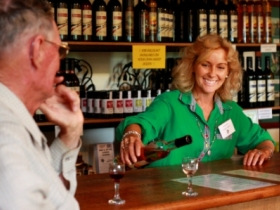Riversands Vineyards - Attractions Perth