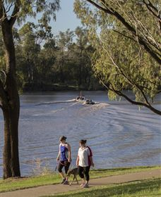 St George Riverbank Walkway - Attractions Perth