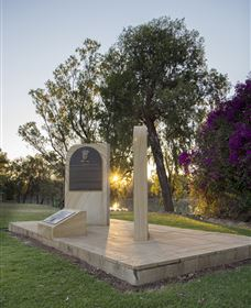 St George Pilots Memorial - Attractions Perth
