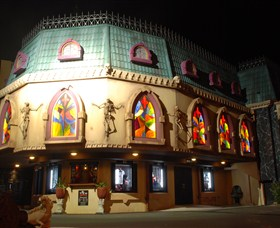 Draculas Cabaret Restaurant - Attractions Perth
