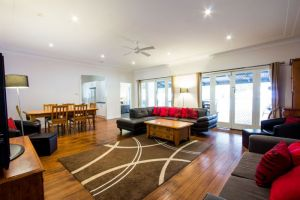 The Retreat Port Stephens - Attractions Perth
