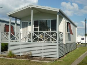 Belmont Pines Lakeside Holiday Park - Attractions Perth