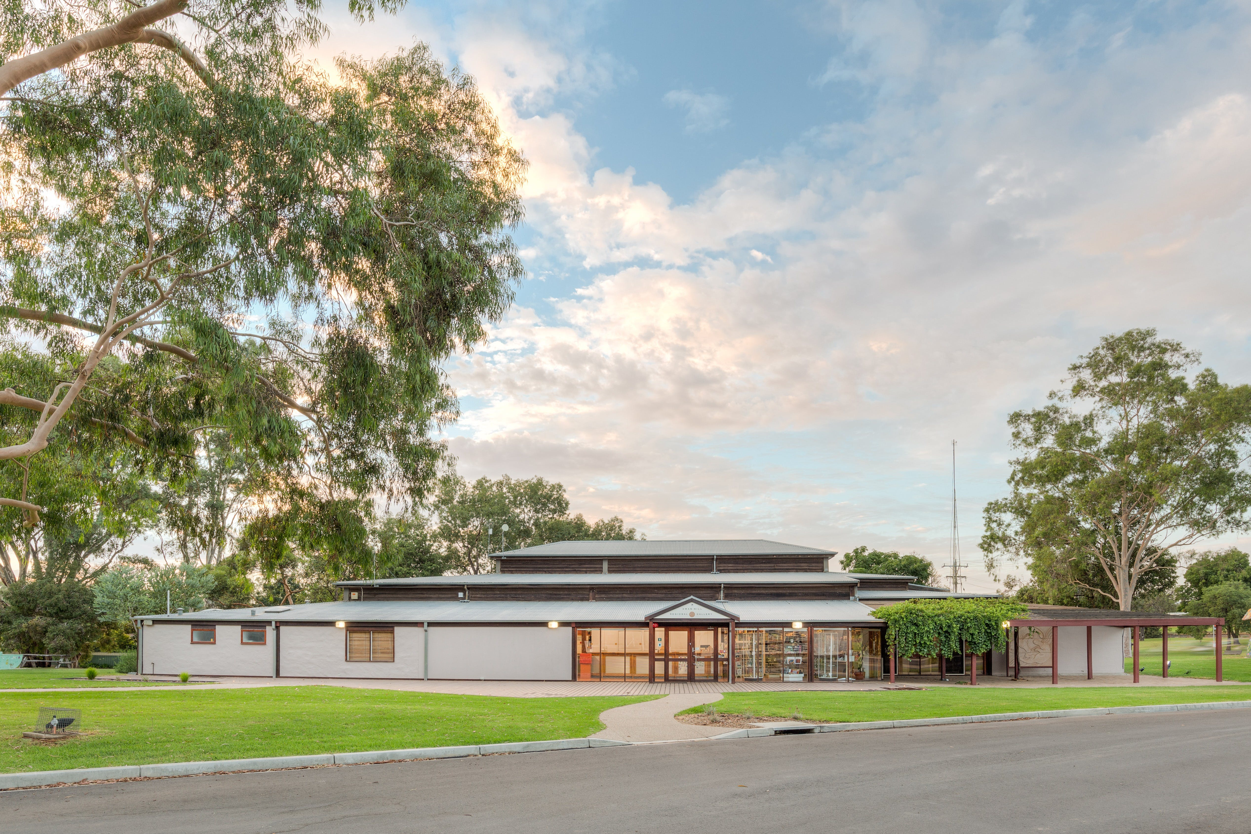 Swan Hill Regional Art Gallery - Attractions Perth