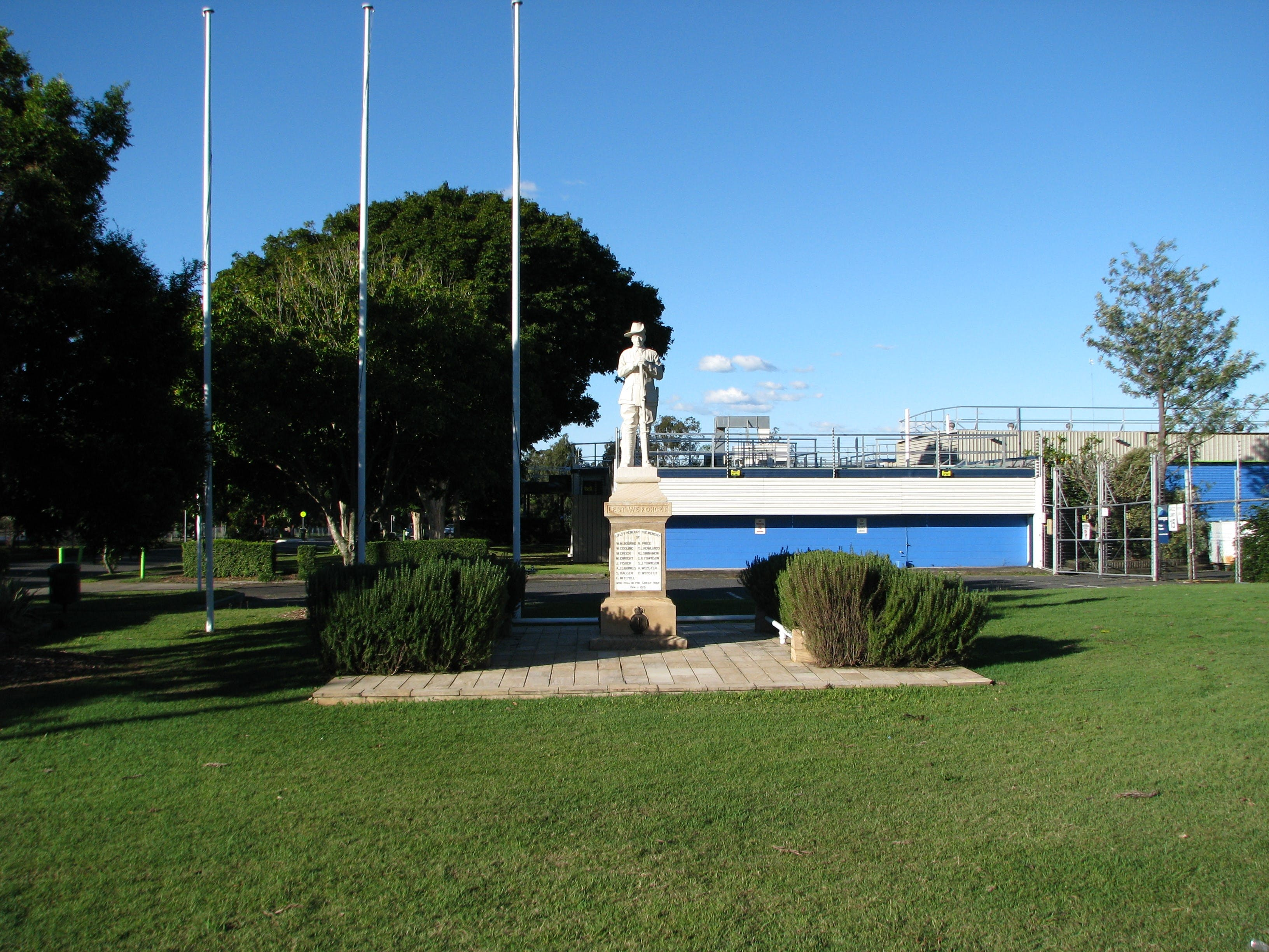 Oxley War Memorial - Attractions Perth